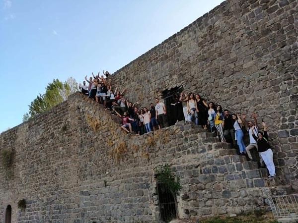 29 genç Diyarbakır'da buluştu