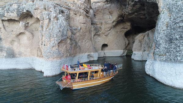 Yeni keşfedilen kanyonlara tekne ile tur