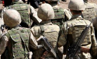 4 askere uyuşturucu ticaretinden tutuklama