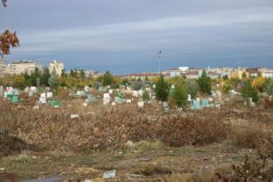 Uyuşturucu kullanıcıları mezarlıkları kendilerine mesken tuttu