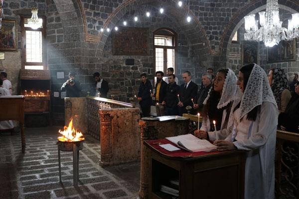 Meryem Ana Kilisesi'nde Noel ayini