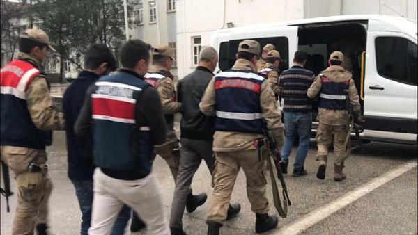 VİDEO HABER – 6 ilçede PKK operasyonu: 17 gözaltı