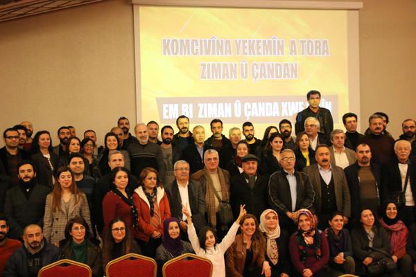 """""""Kürtçe konuşun, Kürtçe okuyun, Kürtçe yazın"""""""