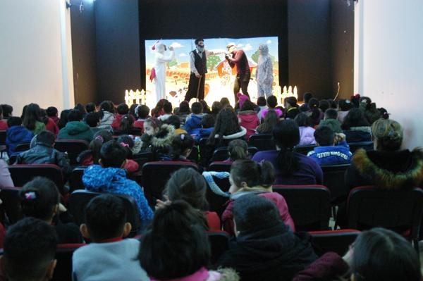 Öğrenciler için tiyatro etkinliği