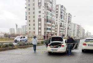Seyir halindeki aracı durdurup ateş açtı: 1 ölü