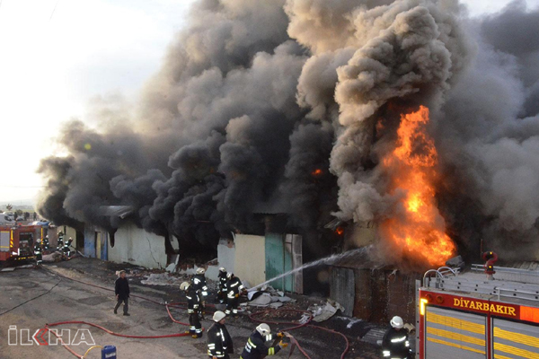 VİDEO HABER – Fabrika yangınında üretim atölyeleri küle döndü