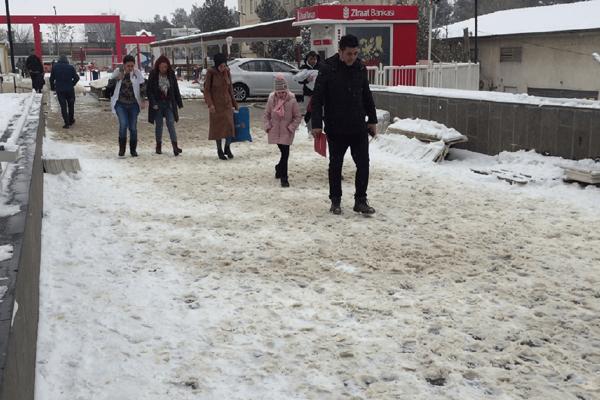 VİDEO HABER – Diyarbakır'da kar esareti sürüyor