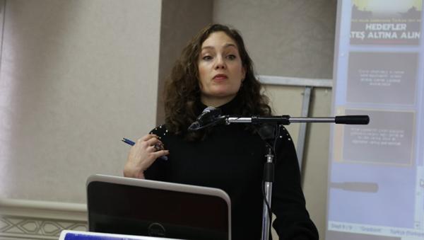 'Gazeteci bilgiyi aktarmakla yükümlü'