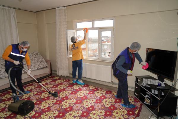 Yaşlılara evde hizmet veriliyor