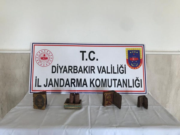 Jandarma'dan tarihi eser kaçakçılarına operasyon: 3 gözaltı