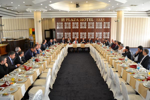Diyarbakır'da iş camiasında korona virüs toplantısı