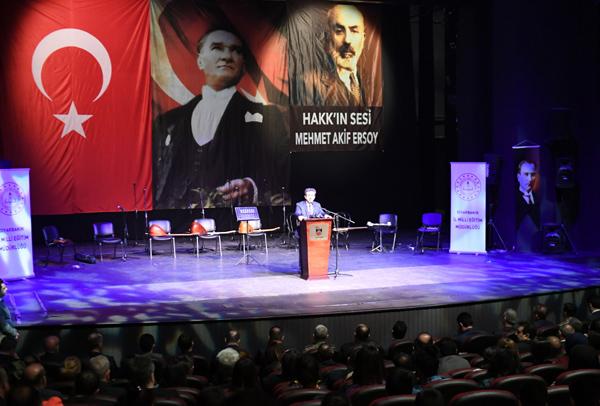 'Mehmet Akif yazdıklarını yaşayan bir adamdı'