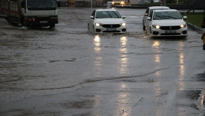 Yağış yaşamı olumsuz etkiliyor