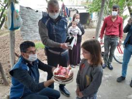 Kız çocuğuna doğum günü sürprizi