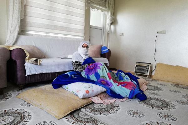 VİDEO HABER – 49 yaşındaki Coronavirus hastası kadın şifa bularak taburcu oldu