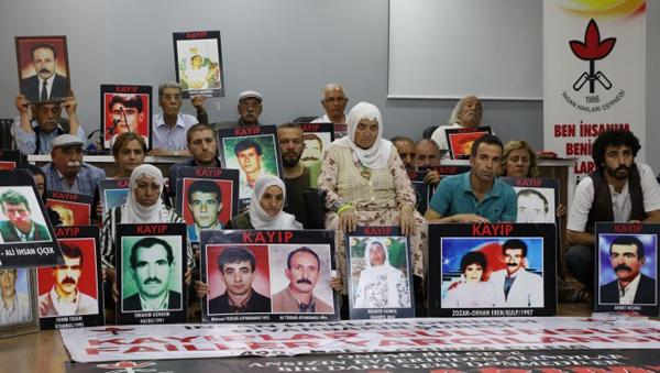 'Kayıplar bulunsun failler yargılansın' eylemi 589'uncu haftasında