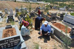 Mezarlık ziyaretleri yasaklandı
