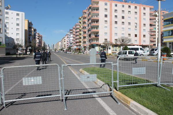 Diyarbakır'da Korona tedbirleri genişliyor! Bir cadde daha kapatıldı