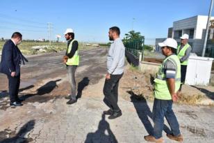 Bağlarda yol yapım çalışmaları devam ediyor