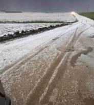 Bismil'de dolu ekili alanlarda zarara yol açtı