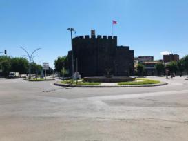 Diyarbakır sokakları bayramda boş kaldı