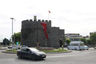 VİDEO HABER – Diyarbakır'da Cadde ve sokaklar boş kaldı