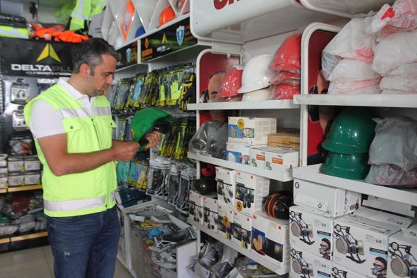 İnşaatlarda çalışan işçilere korona virüs uyarısı