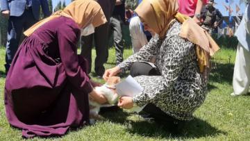 VİDEO HABER – AK Partili kadınlardan sokak hayvanlarına destek