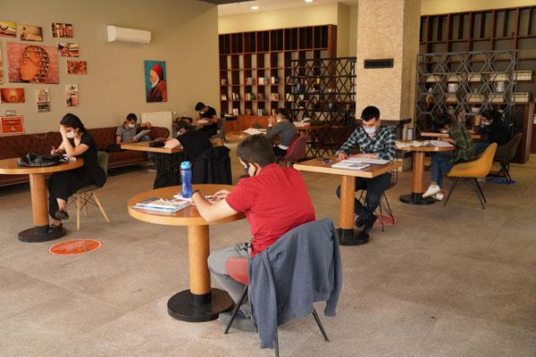 Büyükşehir Belediyesi kütüphaneleri yeniden faaliyetlerine başladı