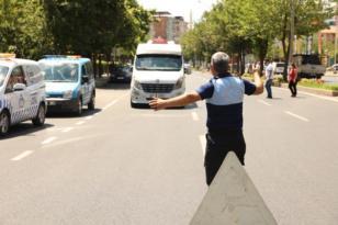 Büyükşehir Belediyesi toplu taşıma araçlarını denetliyor
