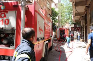 Marangoz atölyesinde yangın çıktı, bina tahliye edildi