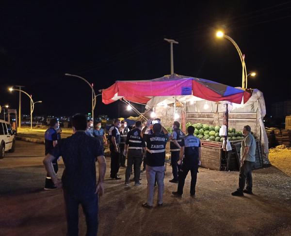 Büyükşehir Zabıta seyyar satıcılara göz açtırmıyor