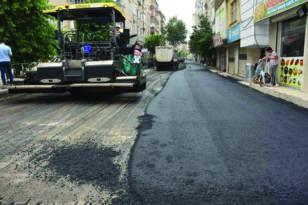 Bağlar'da cadde ve sokaklara asfalt, kaldırımlara parke taşı