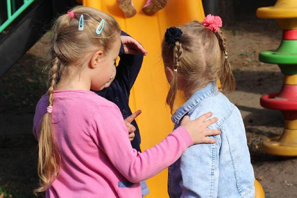 Bebeksi konuşma, çocuğun sosyal yaşamını etkiliyor
