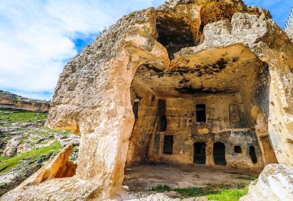 Hasuni Mağaraları turizme kazandırılmayı bekliyor!