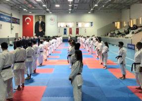 Karate Dan terfi sınavı sona erdi