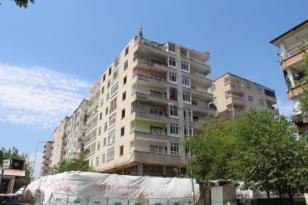 VİDEO HABER – Riskli binanın yıkımına başlandı