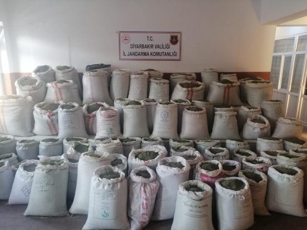 VİDEO HABER – Diyarbakır'da 1 ton 207 kilo esrar ele geçirildi