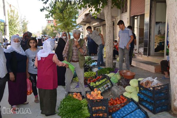 VİDEO HABER – Köy pazarına yoğun ilgi
