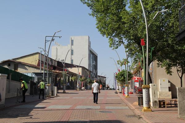 4 yıldır kapalı olan cadde trafiğe açıldı