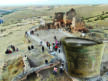 Zerzevan Kalesi, bir çift çarık ve 1500 yıllık kova