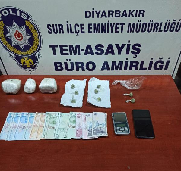 Uyuşturucu taciri kimlik kontrolünde yakalandı